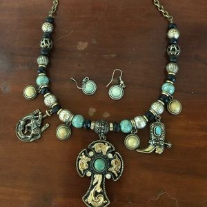 Western style turquoise necklace/earrings set